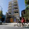 Los precios de alquiler de los departamentos en la zona parten desde los 4500 pesos; lo nuevo en Rooselvetl y Arribeños. Foto: Ricardo Pristupluk